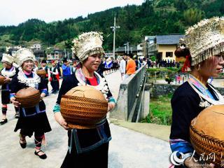 """龙胜县:古朴神秘侗族""""祭萨节"""""""