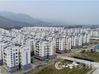 融安县:万名贫困户搬迁进新居