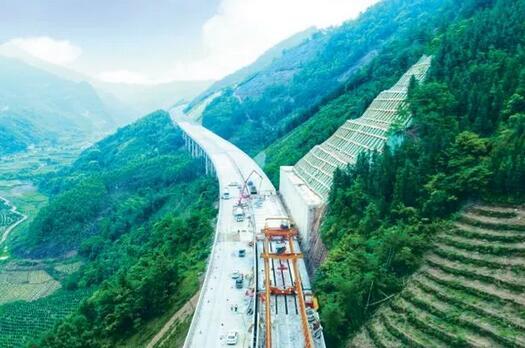 好消息!阳朔至鹿寨、贺州至巴马(桂林段)这两条高速今年将建成通车