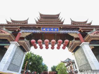"""田阳县:旅游扶贫风生水起 打造桂西旅游""""夜归地"""""""