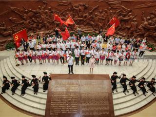 龙州县:革命老区摘穷帽展新颜