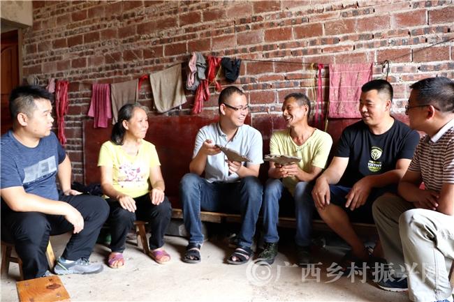 恭城县三江乡:一大批无职党员服务群众获点赞