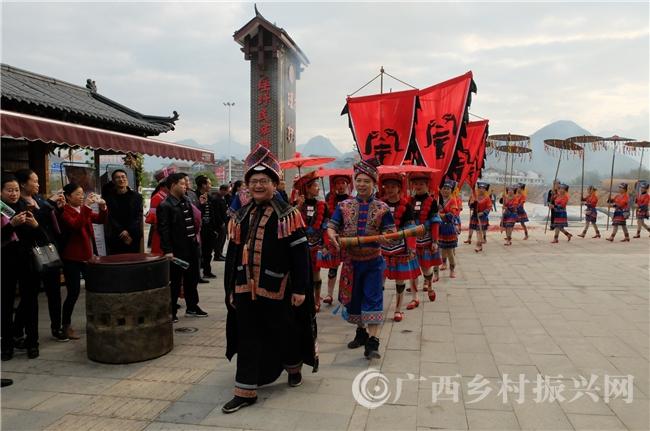 恭城县:瑶圩有逛法