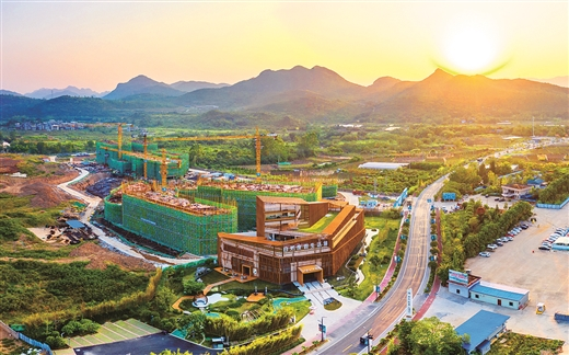 """灵川县:搭上高铁快车 """"桂林北新城""""崛起"""