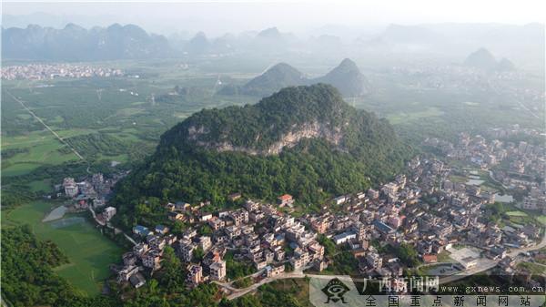 平乐县:数村庄变化 建美丽家园